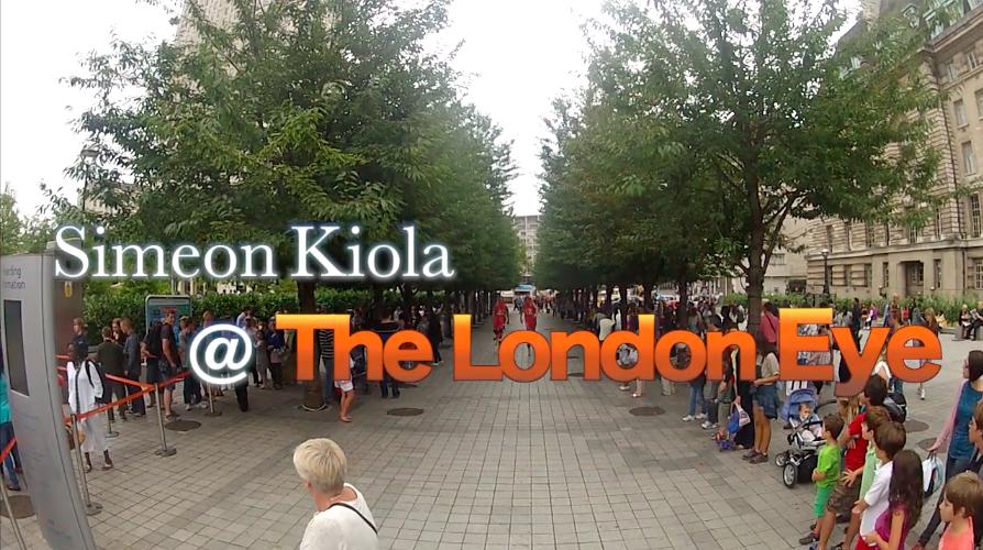 London Eye, Summer Queue Line Entertainment